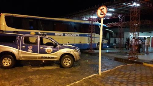 Por possível falta de segurança para rodar, juiz impende ônibus da Novo Horizonte de seguir viagem