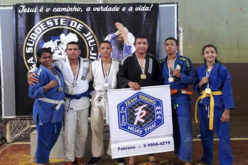 Atletas brumadenses conquistam ótimas colocações no campeonato de Jiu Jitsu de Guanambi