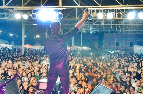 Festa de aniversário de 54 anos de Aracatu é marcada por grande show gospel