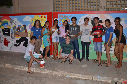 Transformaê: Estudantes reproduzem obras de artes em muro do CEEP em Brumado