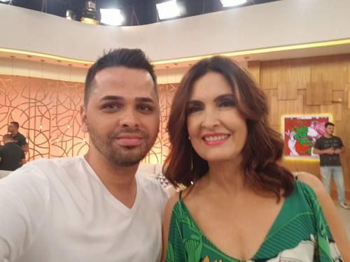Jovens aracatuenses participam da plateia do programa Encontro com Fátima Bernardes da Rede Globo