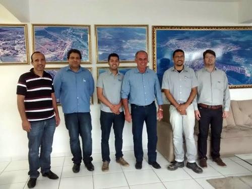 Prefeito Aguiberto se reúne com representantes da FCA para resolver a questão da Ponte do São Félix
