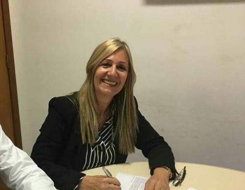 Prefeita de Malhada de Pedras autoriza antecipação de salário dos servidores municipais