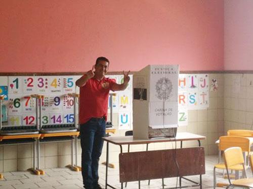 Gil Rocha é reeleito em Guajeru; número de abstenções foi recorde