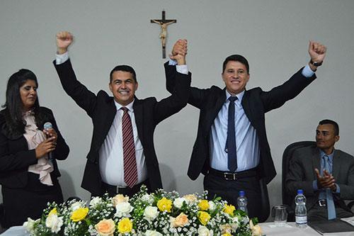 Reeleito, Gil Rocha toma posse para seu segundo mandato em Guajeru