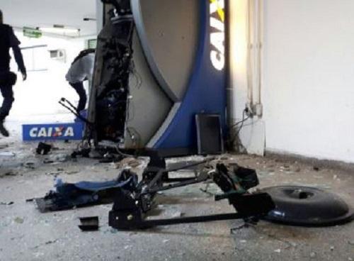 Feira: Bandidos armados detonam caixa eletrônico da secretaria de saúde