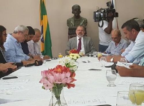 Aumento de gastos da gestão interina de Temer começa a preocupar mercado financeiro