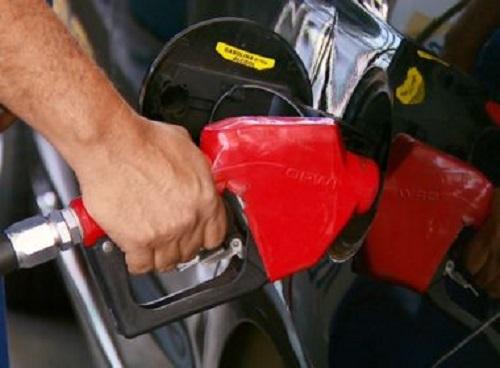 Petrobras anuncia reajuste de 2,1% para gasolina e diesel a partir desta terça