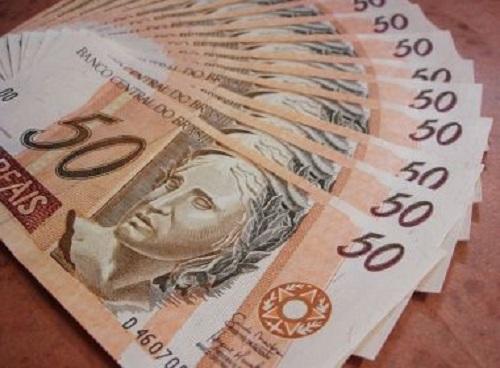Cerca de R$ 8 bi serão injetados na economia baiana com pagamento do 13º, aponta Dieese