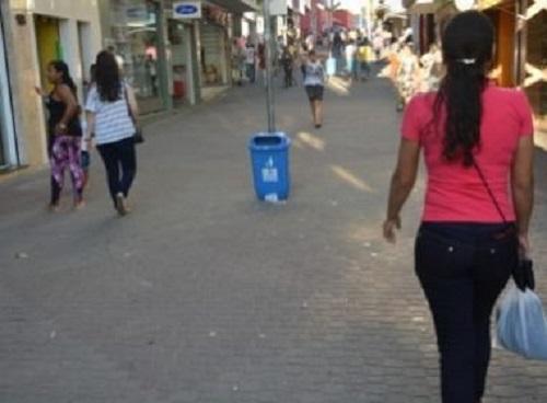 Conquista: Prefeitura multará em R$ 100 quem jogar lixo nas ruas