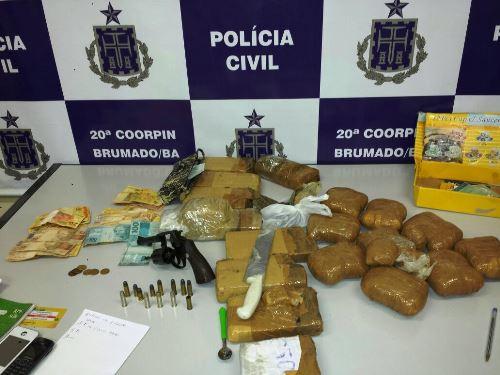 Policia Civil apreende arma e grande quantidade de maconha e Cocaína