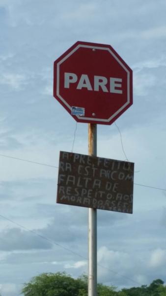 'Pare' A prefeitura está com falta de respeito; protesta moradores do Santa Tereza