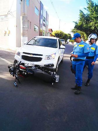 Falta de sinalização adequada provoca mais um acidente na Avenida João Paulo