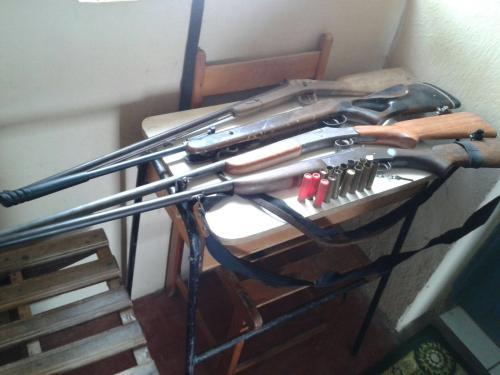 Homem é preso com com várias armas de fogo e munições em Guajeru
