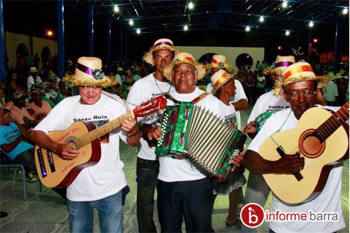 Tradicional apresentação de Ternos de Reis se mantém viva em Ituaçu