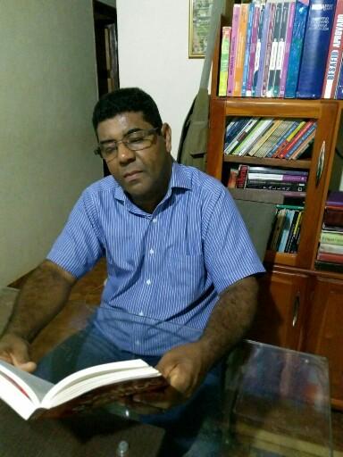 Professor de Rio do Antônio é classificado em concurso literário de nível nacional