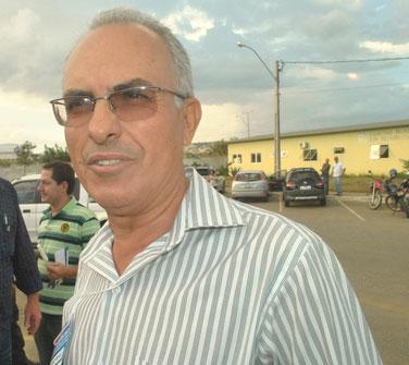 Prefeito de Tanhaçu tem mandato assegurado após decisão do TSE