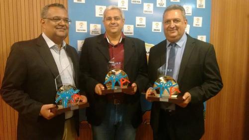 Prefeito de Maetinga recebe em Salvador o Selo Unicef concedido ao município