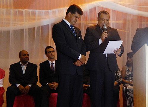 Pela 2ª vez consecutiva, Edcarlos Lima é empossado prefeito de Maetinga