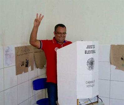 Em Maetinga prefeito Edcarlos Lima é reeleito