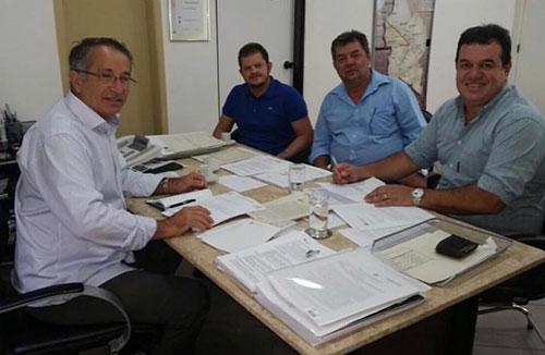 Deputado consegue recurso para implantação de Adutora que levará água para Guajeru e Rio do Antônio