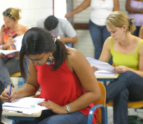 Concursos oferecem mais 21 mil vagas; salários chegam a R$ 30.471,11