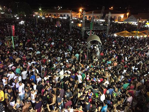 Com extinção do Carnaval de Brumado, Rio de Contas bate recorde de público e se consolida como destino de foliões