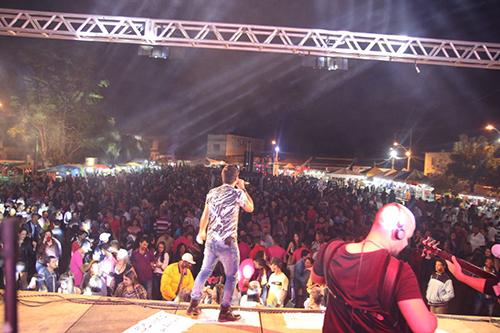 Rio do Antônio está em festa: Primeira noite foi um sucesso; hoje tem Psirico e outras atrações