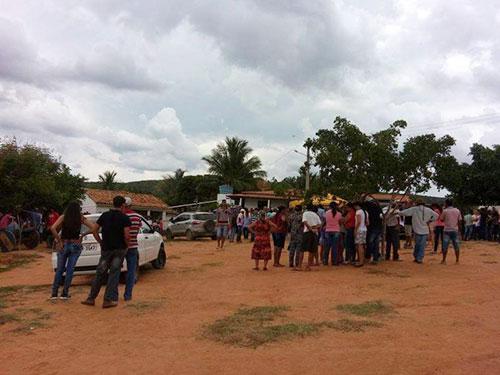 Forte comoção em Rio do Antônio durante enterro de três pessoas da mesma família mortas em acidente