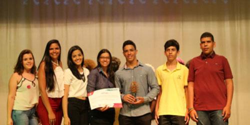 Estudantes de Rio do Antônio são premiados por criarem catálogo medicinal