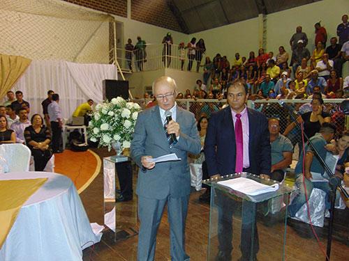 Dr. Jorge é empossado em Tanhaçu e volta a comandar o município
