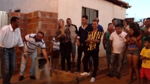 Prefeita de Malhada de Pedras entrega sistema de abastecimento de água na casas populares IV; veja o vídeo