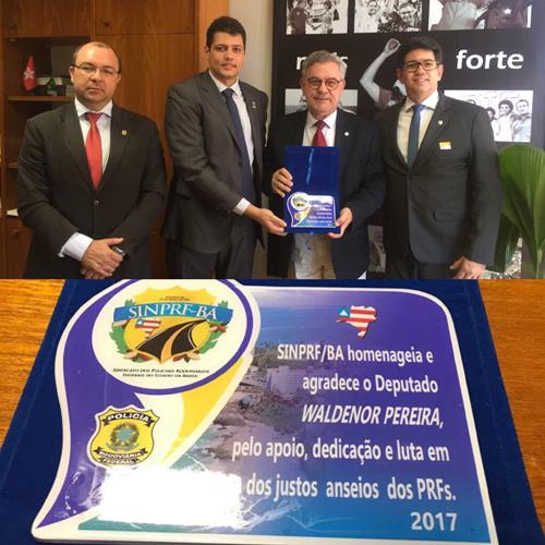 Deputado Waldenor Pereira é homenageado pela PRF