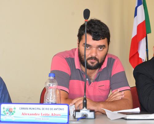Vereador Alex rebate acusação de que teria fraudado livro de frequência da Câmara de Rio do Antonio