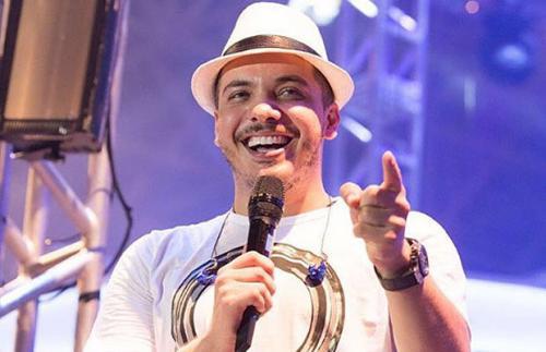 Wesley Safadão é criticado por uso de playback em show; cantor nega