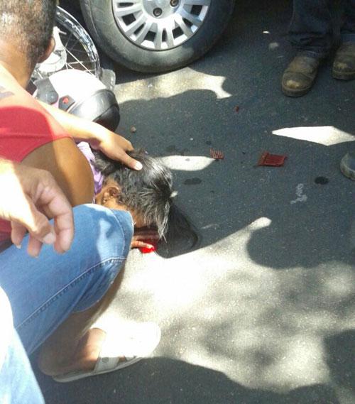 Acidente na Avenida Centenário envolvendo carro e moto deixa uma mulher ferida