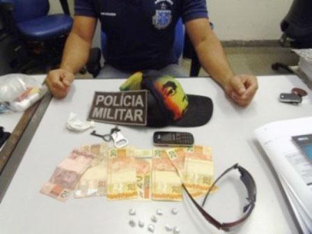 Policia realiza apreensão de drogas e prende dois suspeitos
