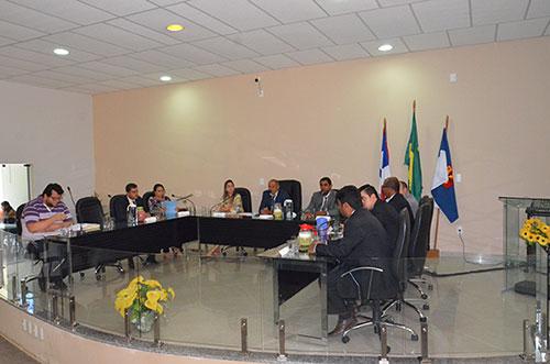 Projeto que reduz salário de funcionários do alto escalão em Aracatu foi aprovado pelo legislativo