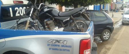 Jovem pede para fazer um teste drive e rouba moto de uma loja em Barra da Estiva