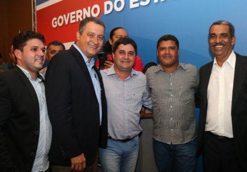 Prefeito de Barra da Estiva celebra novos convênios com o Governo do Estado