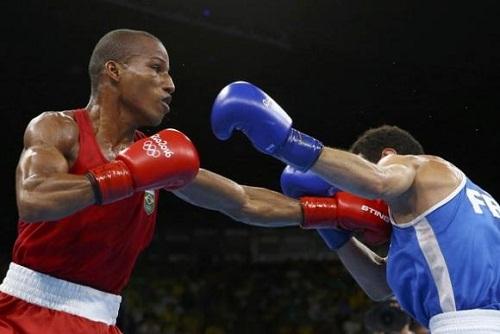 Robson Conceição vence francês e ganha o primeiro ouro para o boxe do Brasil