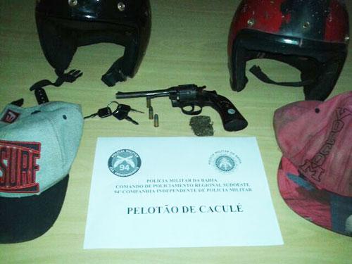 Polícia de Caculé recuperou moto roubada e fez apreensão de arma e drogas