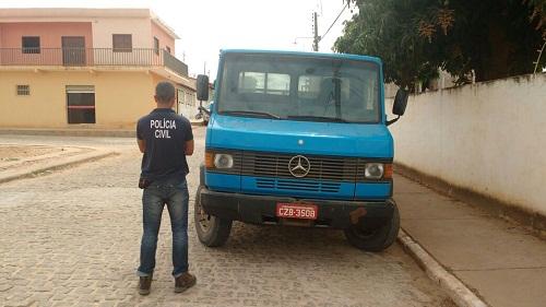 Polícia Civil recupera mais um caminhão roubado em Livramento