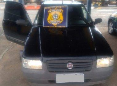 Barreiras: Homem abastece, sai sem pagar e é preso com carro roubado