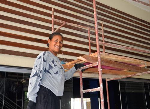 Como Ajudante de Pedreiro mulheres mudam o cenário da Construção Civil em Brumado