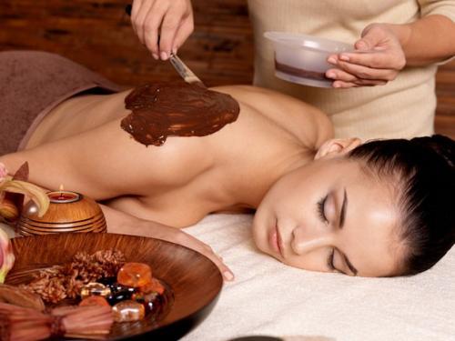 Spas oferecem massagens e banhos com chocolate para a Páscoa