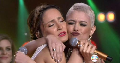 Claudia Leitte e Carlinhos Brown dão show de vergonha alheia na final do The Voice