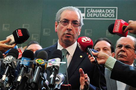 'Eu, formalmente, estou rompido com o governo', anuncia Cunha após depoimento da Lava Jato vazar