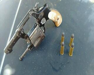 Funcionário da Prefeitura de Barra da Estiva é preso por porte ilegal de arma