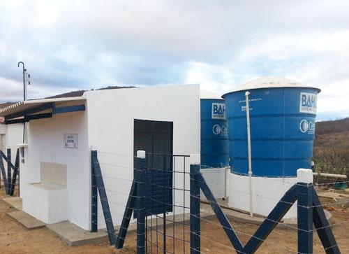 Fazenda Cachoeira em Aracatu  é beneficiada com obra de abastecimento de água do governo